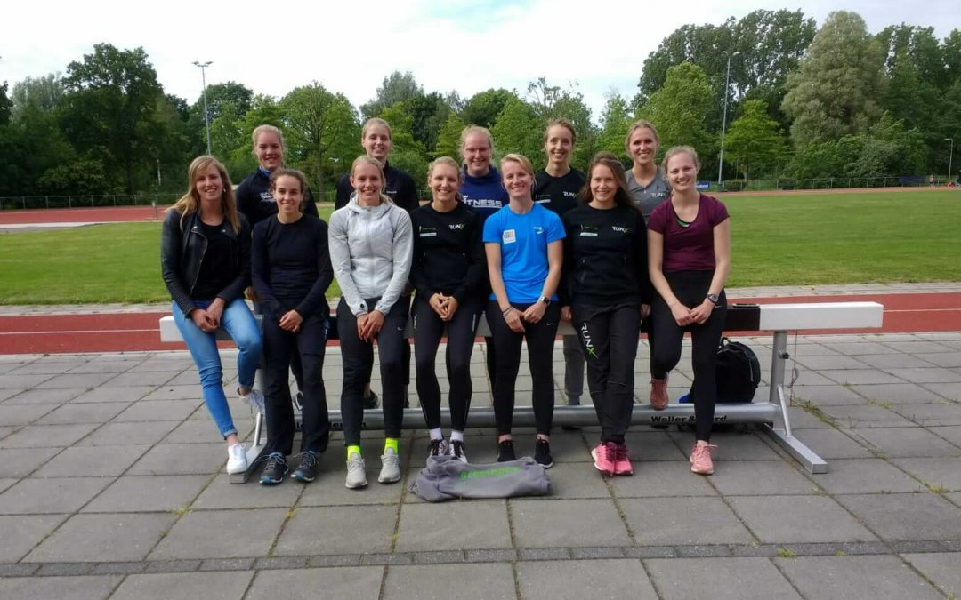Blikslager imponeert in Oordegem; competitiesucces voor Team 4 Mijl dames