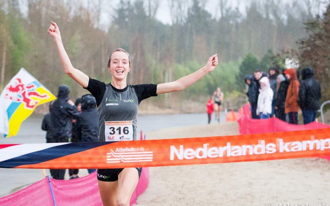 De Jong prolongeert titel op NK cross, ook podiumplaatsen voor Van Kampen en Blikslager