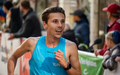 Kram verbetert marathon record met 12 minuten in Amsterdam